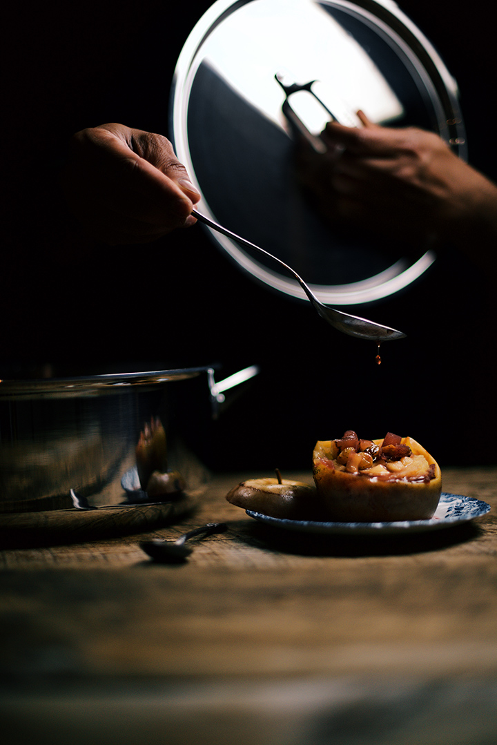 Cardamom Stewed Apples in Vanilla Port | Wolf Gourmet